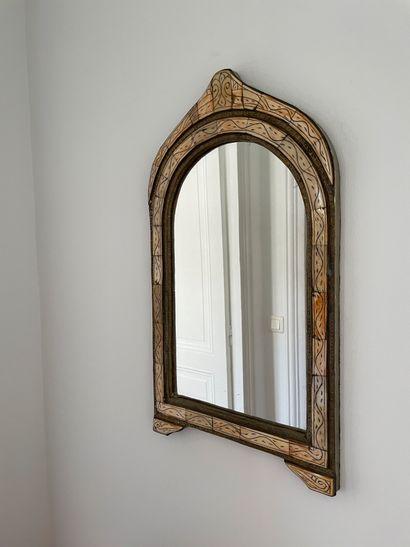 Petit miroir dans le goût indien En placage...