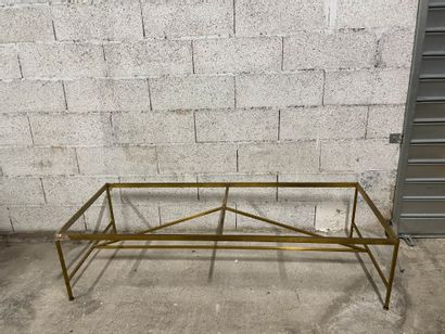 Large table base In black lacquered metal 67x104x54 cm. A coffee table base in the...
