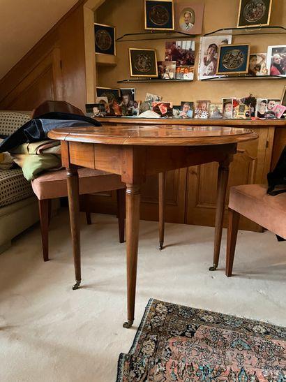Table de salle à manger à allonges De style...