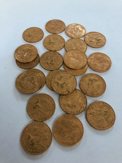 Lot of gold coins including 22 coins of 20 F gold with the rooster of Chaplain:...