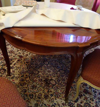 Table de salle à manger en acajou Pieds cambrés...