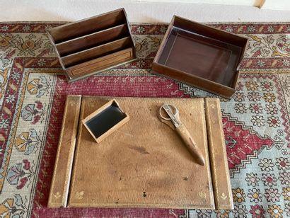 Desk set signed ROITIVAL meillleur ouvrier de France Including mail box, a mobile...