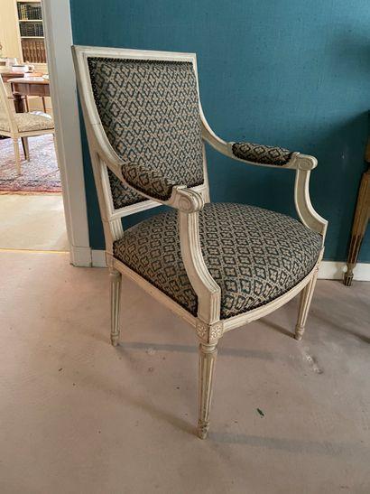 Paire de fauteuils à la Reine En bois sculpté...