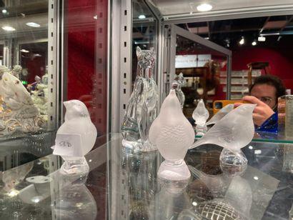 Ensembles de trois oiseaux signés Lalique...