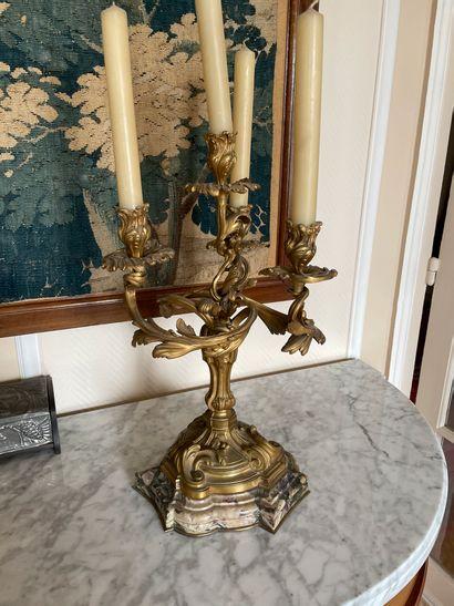 Paire d'importants candélabres En bronze...