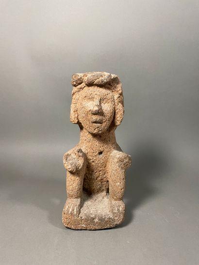 Personnage assis couronné Aztèque, Mexique...