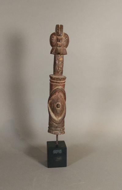 Statue Wurkun, Nigeria  Bois dur à patine...