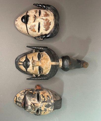 Lot de trois masques Ogoni  Nigéria  Bois,...
