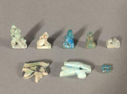 Lot of amulets including two eyes Udjat,...