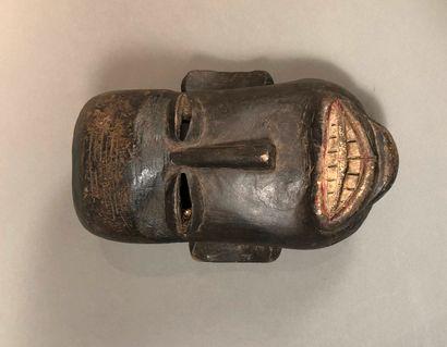 Masque Makonde, Tanzanie  Bois mi-dur à patine...