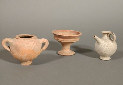 Lot including a pedestal bowl, a miniature...
