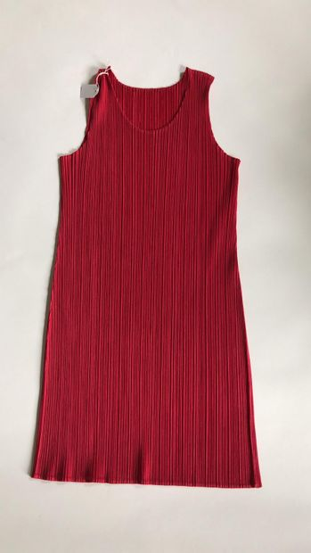 PLEATS PLEASE BY ISSEY MIYAKE Robe rose...