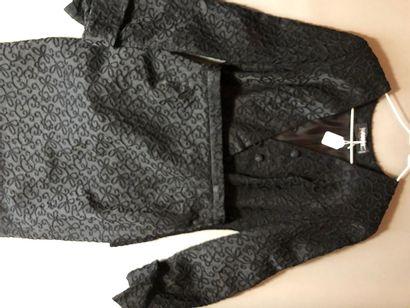 GUY LAROCHE Tailleur jupe et veste en lin...