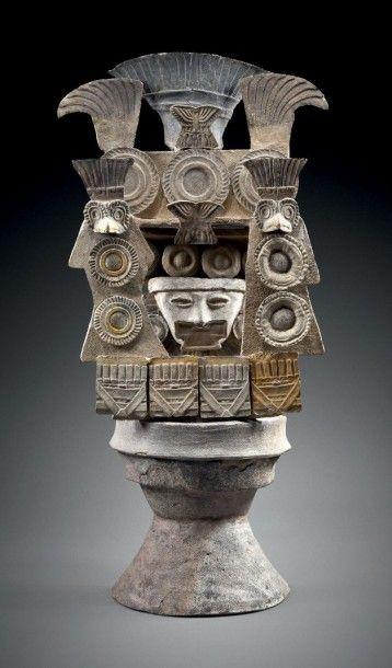 COUVERCLE D'ENCENSOIR DE TYPE THÉÂTRE Culture Teotihuacan, haut plateau central...