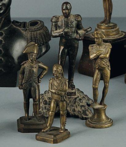 Lot de 4 statuettes en bronze de Napoléon...