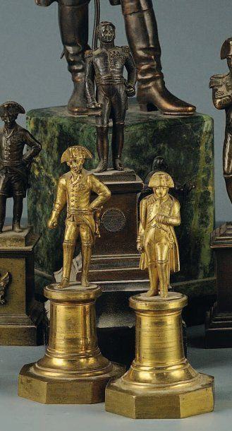 Paire de statuettes en bronze doré de Napoléon...