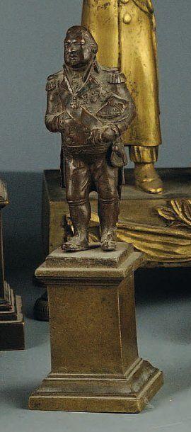 Statuette en bronze représentant Louis XVIII...
