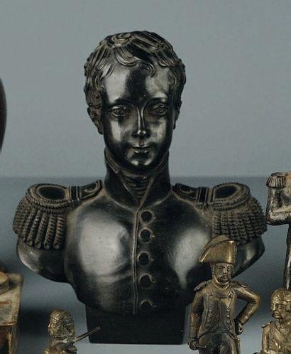 Petit buste en fonte noire d'Henri V, XIXe...