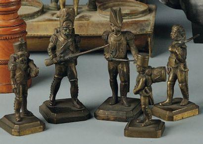 Soldats en bronze, XIXe siècle. Hauteur 7,2...