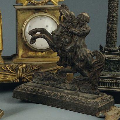 Statuette équestre de Napoléon en fonte,...