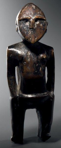 Figure féminine d'ancêtre (matakau), Iles...