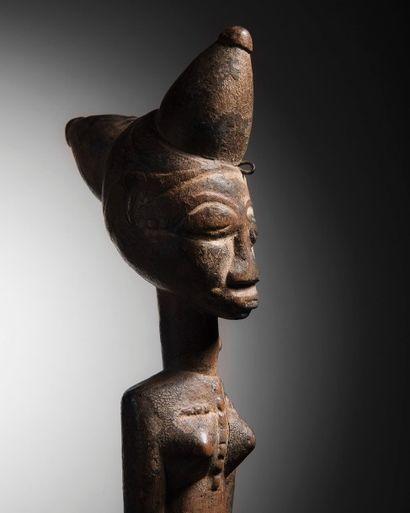 Statue Attie, Côte d'Ivoire Bois à patine...