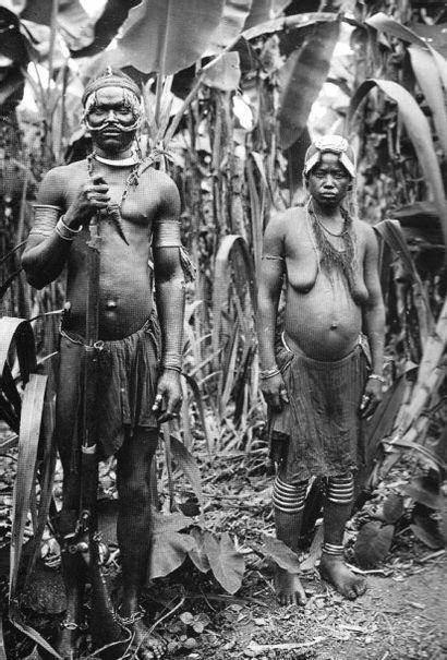 Tête d'ancêtre, eyema-byeri, Fang (Fang Betsi), Afrique équatoriale, Nord-Gabon...