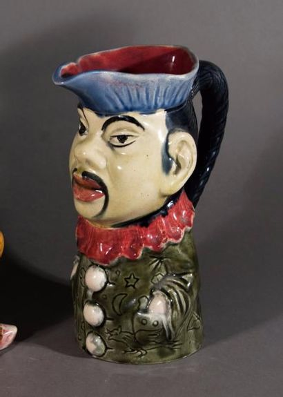 Pichet chinois à la veste verte d'Orchies...