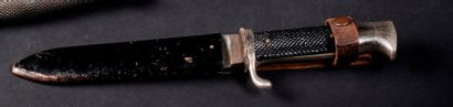 Poignard type H.J.. Fourreau en métal. Vers...