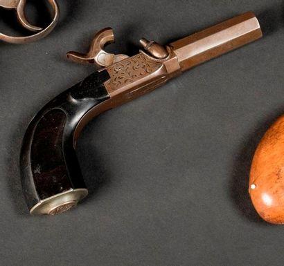 Deux pistolets à coffre à percussion: a)...