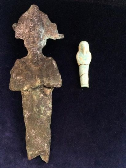 Lot composé d'une statuette votive d'Osiris...
