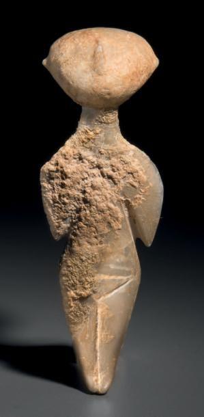 Idole Kilia. Statuette représentant une...