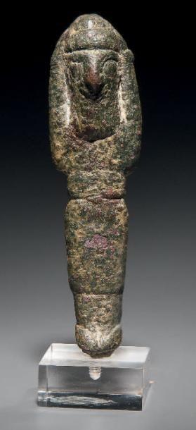 Statuette représentant un orant debout, vêtu...