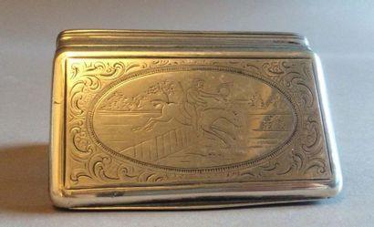 Boîte de forme rectangulaire en argent (800/°°)...