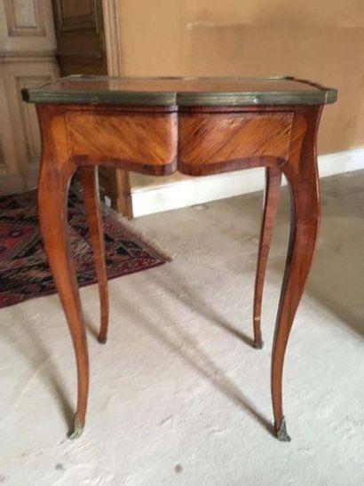 Table d'appoint En bois de placage, le plateau...