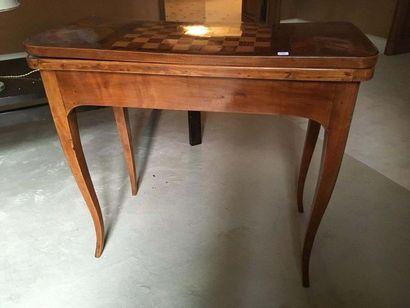 Table à jeu En bois naturel, le plateau articulé...