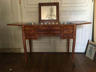 Table coiffeuse En bois de placage et décor...