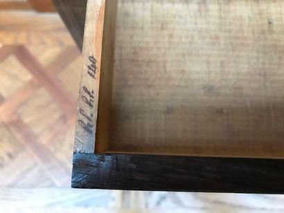 BUFFET en placage de palissandre agrémenté de filets de buis. De forme rectangulaire,...