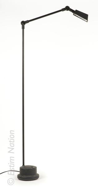 DESIGN - LUMINAIRES Sergi et Oscar DEVESA pour Metalarte    Applique modèle Arqui...