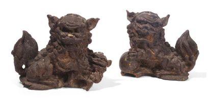 Couple de chiens de Fo en bronze anciennement...