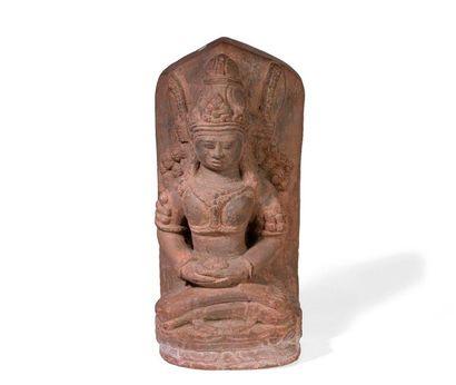 Stèle en grès sculpté d'un Bodhisattva assis...