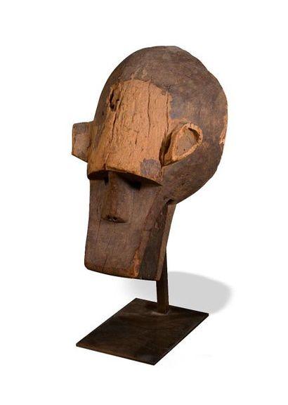 Masque de hyène utilisé dans le cadre de...
