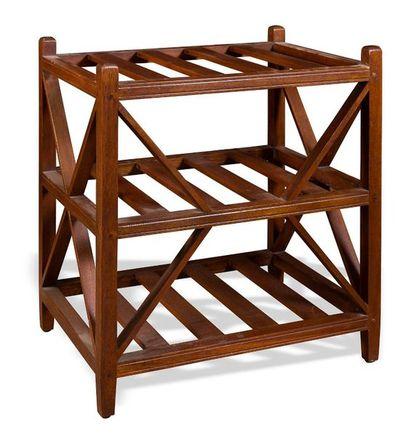 Bout de canapé en bois à décors de croisillon...