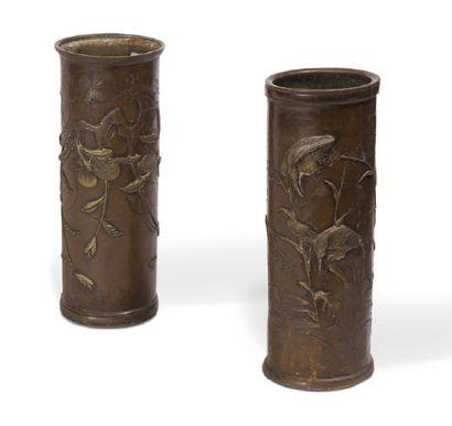 - Paire de vases cylindrique en sentoku à...