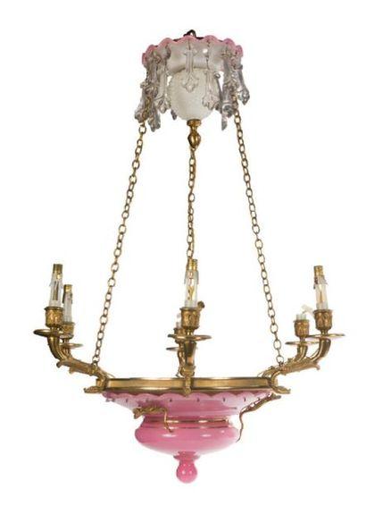 - Suspension circulaire en opaline rose,...