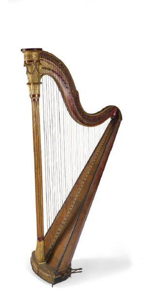 - Harpe en bois de placage, sculpté, mouluré...