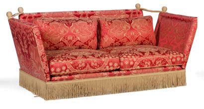 Paire de canapés à deux places, tapissés...