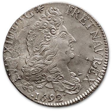Demi écu aux huit L, 1er type. 1692. Rouen....