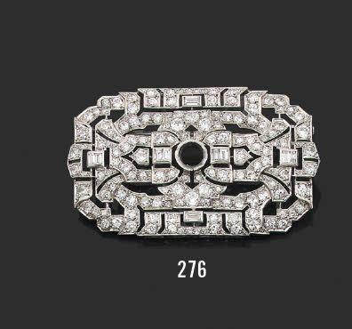 Broche plaque en platine et or gris 18K(750)...