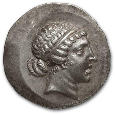 EOLIDE: Cymé (ap. 189 av. J.-C.) Tétradrachme....